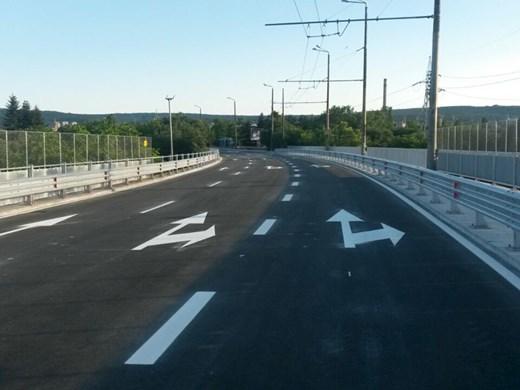 Пак затварят едното платно на Аспаруховия мост за ремонт на фуга