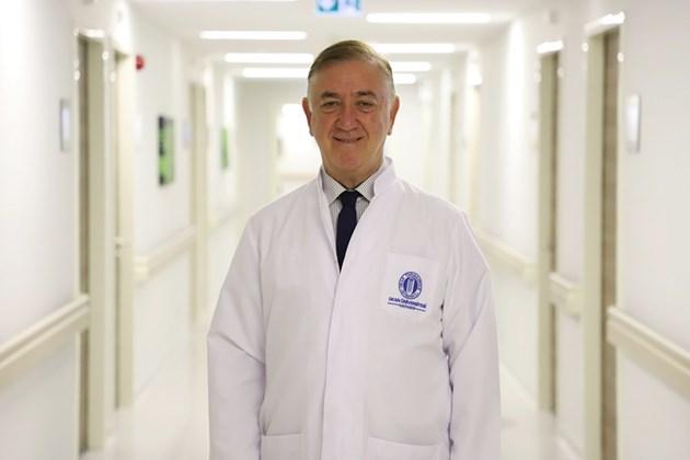 С 1900 успешни трансплантации зад гърба си: Проф. Алп Гюркан консултира безплатно български пациенти