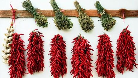 Сушени плодове и зеленчуци - здравословната традиция от времето на бабите