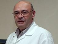 Ортопедът проф. д-р Андрей Йотов днес ще оперира - като на всеки рожден ден