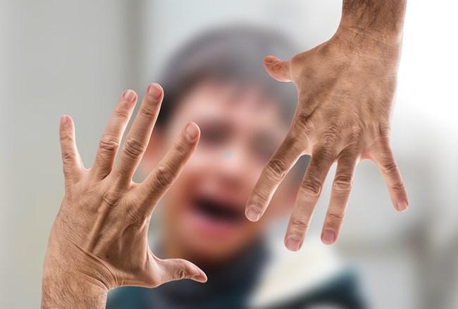 Държавата предвижда пълна забрана на телесните наказания над деца.