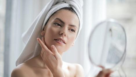 Натурални начини за стягане кожата на лицето и на шията