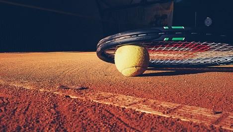 Как да изберете най-добрите спортни стоки и да се сдобиете с качествена тенис ракета?