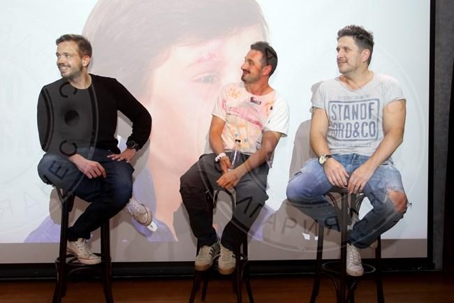 Актьорите отговориха на въпроси на феновете си