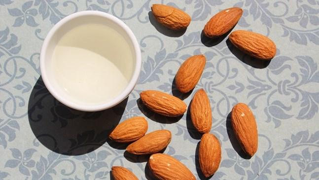 Бадемово масло предпазва от стрии през бременността