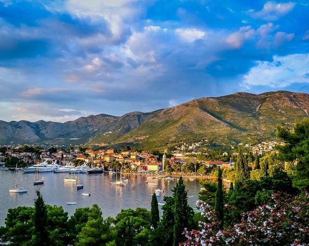 Черна гора ще лекува безплатно туристите, заболели от COVID-19