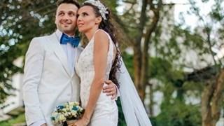 Александър Сано и Нели Атанасова празнуват 4 г. брак на морето