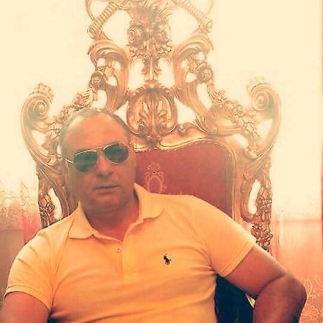 Принц Ангел седна на трона