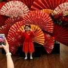Началото на китайската луннагодина бе белязано от сянката на новия вирус (Снимки)