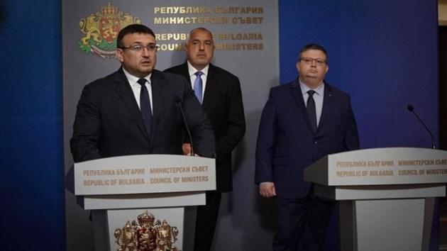 Бойко на нож с Меркел заради хулите срещу България