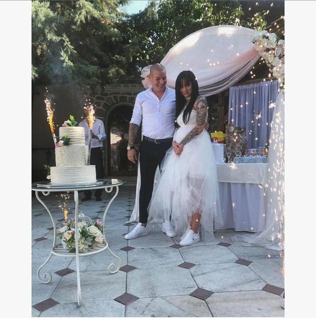 Сватба вдигна скандалната танцьорка Габриела