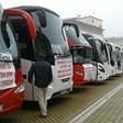 Автобуси и таксита си тръгнаха от площада, след като друг протест се смеси с техния