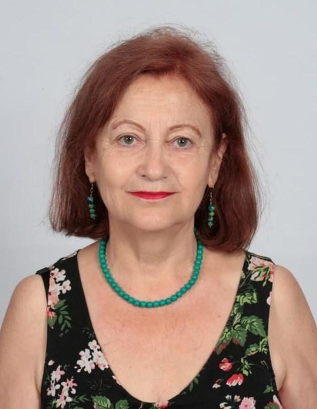 Преводачът и учител по английски език Ангелина Василева: Във филм открих запленяващия писател Одън