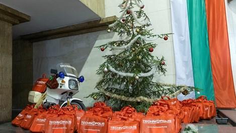86 деца на загинали и пострадали полицаи ще получат подаръци от Технополис и Практикер