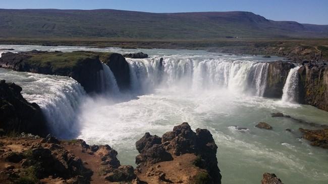 Водопадът на боговете Годафос е един от най-красивите, особено при слънчево време.