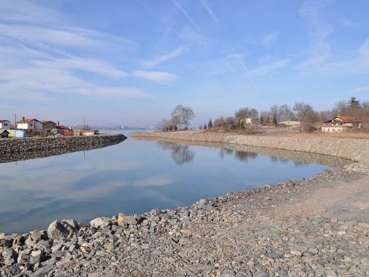 Масово чистят реки и канали в Бургас срещу наводнения