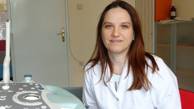 Пловдивски лекари спасиха първото бебе на 26-годишна