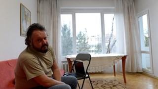 Писателят Калин Терзийски: Болен съм, мама ме гледа! (Снимки)