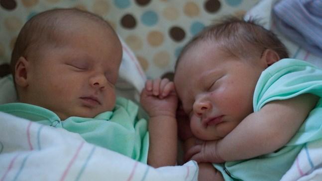 16 бебета проплакаха в пловдивска болница на свети Валентин