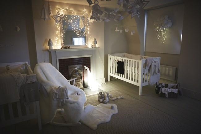 На бебето не му трябва нощна лампа. Тя е по-скоро за родителите, които трябва да го обгрижват посред нощ.