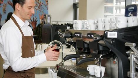 Откриват кафе училище у нас