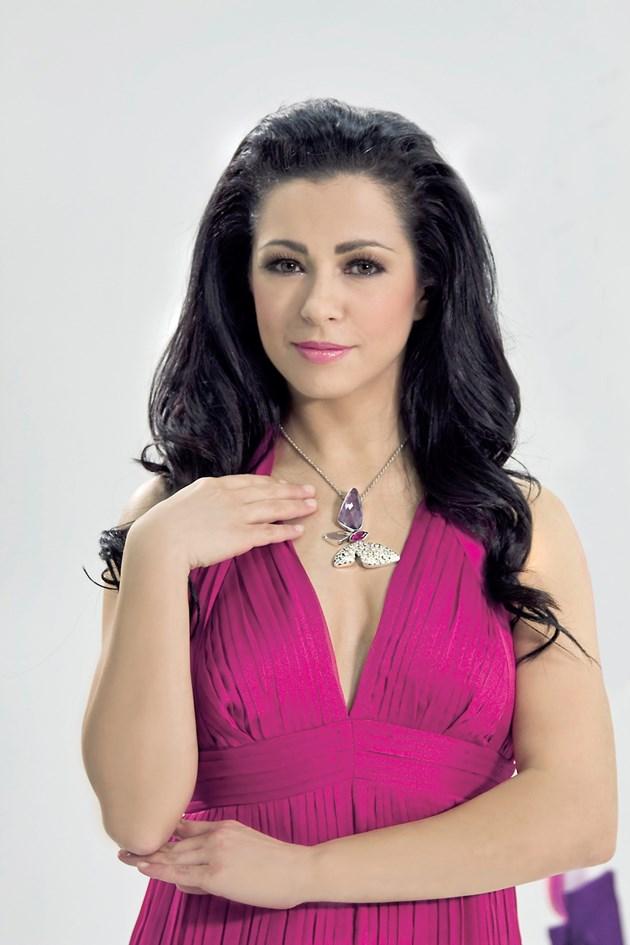 Елена Петрова се страхувала да целува Ламбо