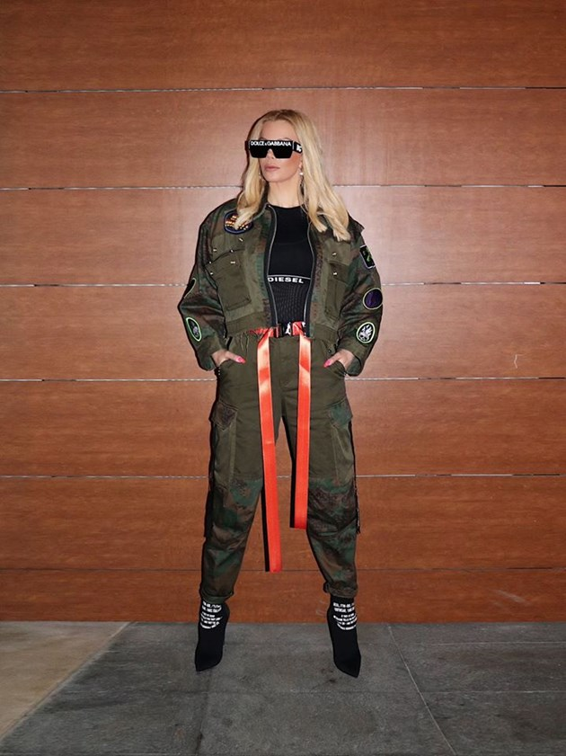 Емилия продължава с модните изцепки