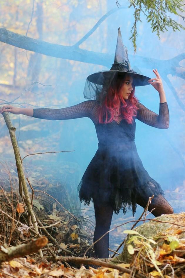 Вещици пакостят, магии хващат на 8 декември