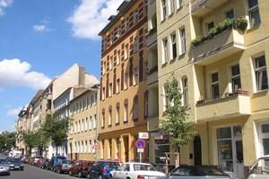 Улица в Берлин свързва Марлене Дитрих и Дейвид Бауи