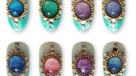 Течни камъни превръщат маникюра в бижу