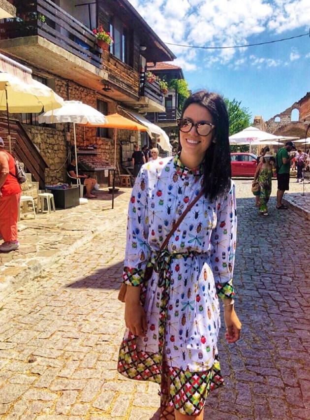 Паскалева с рокля на гадини