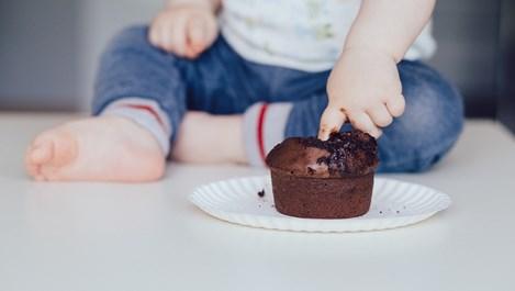 Не давайте тези храни на малките деца. Опасни са!