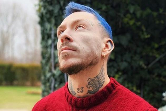 Павел тръгна със синя коса