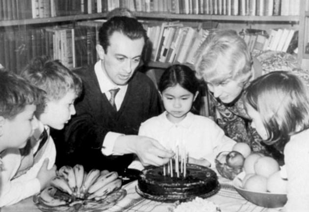 Осиновената дъщеря на Блага Димитрова Ханна Хоанг Димитрова: Простих на Йордан Василев!