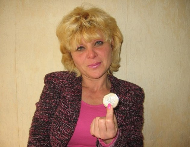Лечителката ясновидка Снежана Димитрова: Оловото изкарва и проклятия, и магии