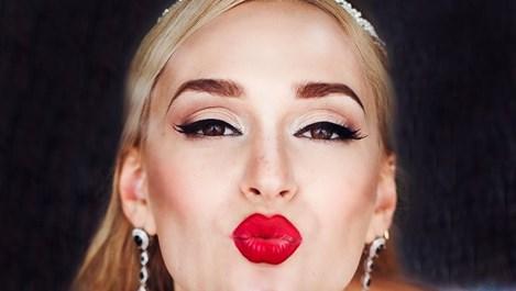 Как да направим по-плътни устните си
