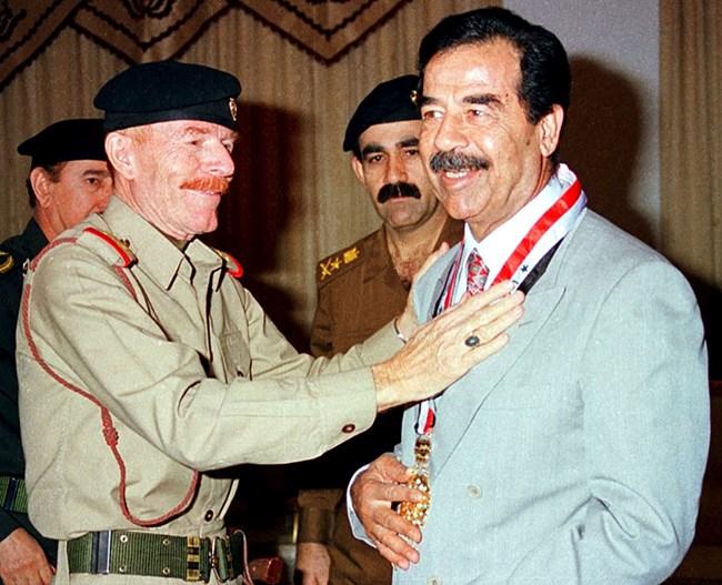 След изборите през 1995 г. Иззат Дури съобщава, че Саддам Хюсеин печели 98% от гласовете.