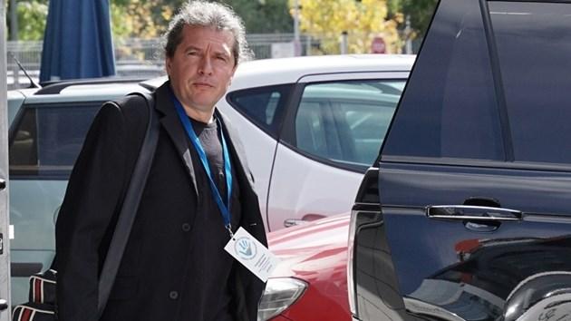 Сценаристът и зам.-председател на НТД Тошко Йорданов: Слави не е идиот, но не разбира от всичко
