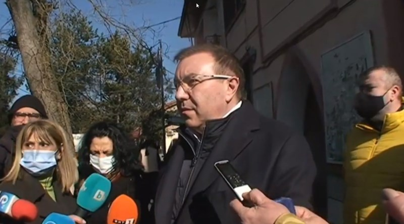 Министър Костадин Ангелов