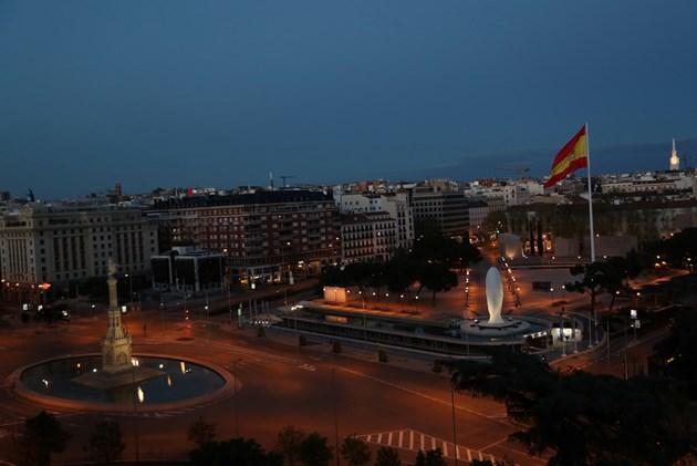 Испания две седмици без икономически дейности, които не са от първа необходимост