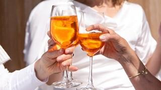 Защо качваме килограми от алкохола