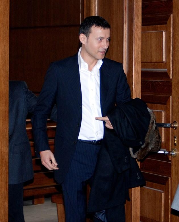Шуреят на Миню Стайков съди органите за 30 бона
