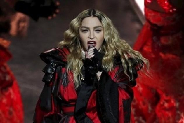 """Мадона за петдесети път оглави класация на """"Билборд"""""""