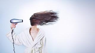 5 грешки със сешоара, които съсипват косата