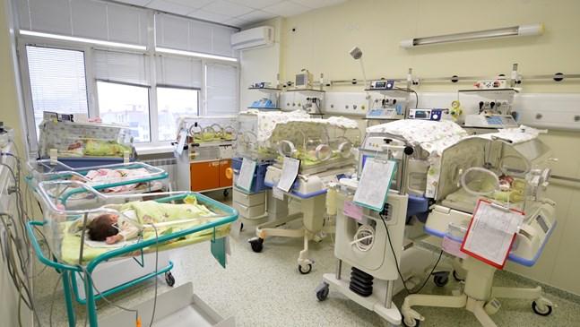 13 бебета проплакаха за ден в АГ болницата във Варна