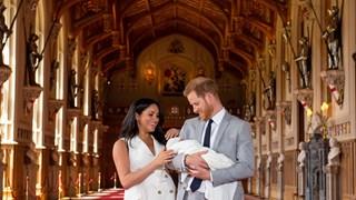 Принц Хари и Меган показаха новородения си син (снимки)
