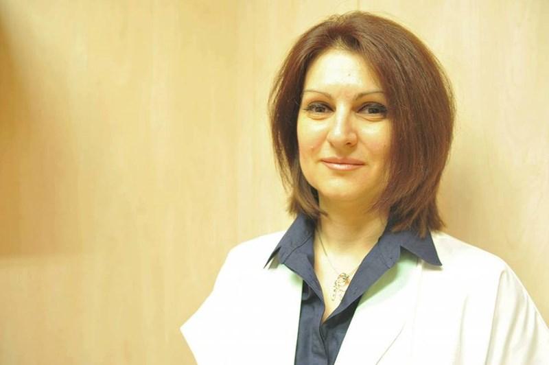 Доц. Елена Викентиева  е клиничен имунолог  във ВМА