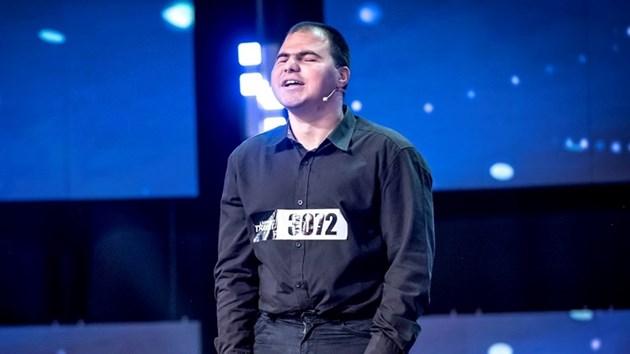 """Незрящият имитатор Андриян Асенов, който предизвика фурор в """"България търси талант"""": Мечтая за дом и семейство!"""