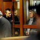 Ето я Елена Динева, жената до Божков, на влизане в съда