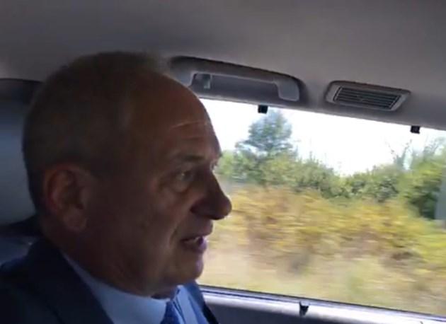 Борисов вози кмета на Търговище в джипа си (Видео)